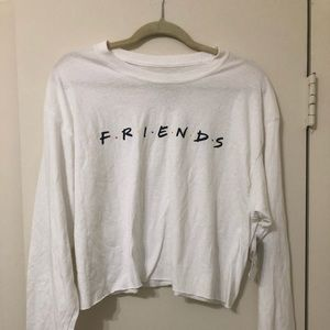 FRIENDS CROP T SHIRT . Size large